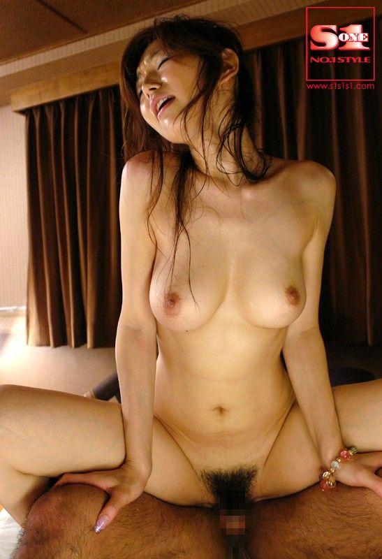 girls naked in bras