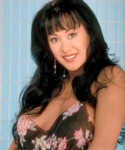 Asia Carrera, pornostar occidentale d'origine asiatique. également connue sous les pseudos : Asia, Asia Carera, Asia Carerra, Asian Carrera, Jessica Bennett