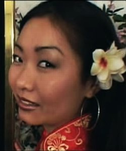 Mae Young, pornostar occidentale d'origine asiatique.