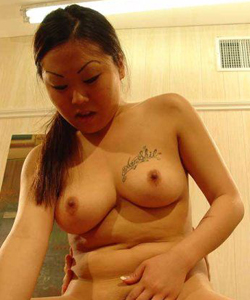 Scarlet johansson boob squeeze