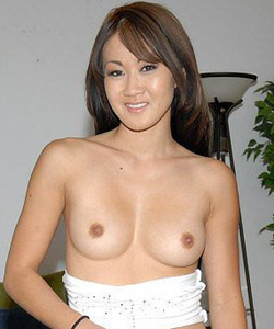 Taya Talise, pornostar occidentale d'origine asiatique.